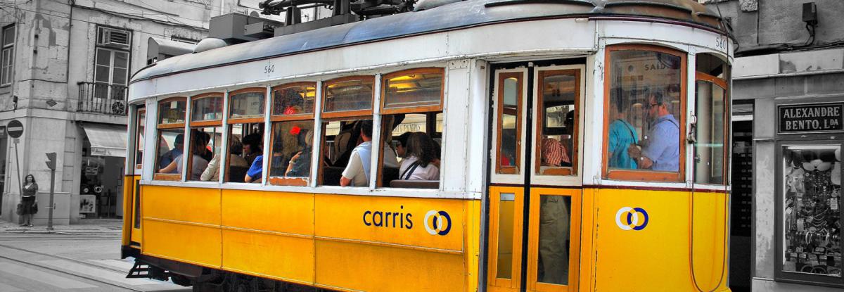 Tram_28;_Lisbon_(5282021178)_web